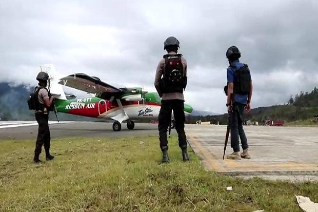 Bandara Aminggaru Berhasil Didarati Pesawat usai Pasukan TNI-Polri Pukul Mundur KKB