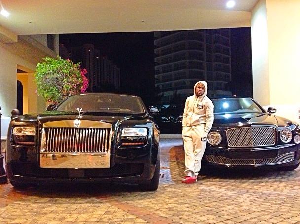 Satu Minggu, Floyd Mayweather Jr Beli 10 Mobil Total Harga Rp14,08 Miliar