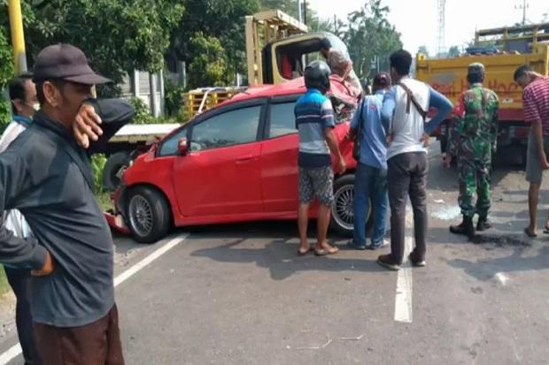 Tabrakan Beruntun 6 kendaraan, Jalur Surabaya-Mojokerto Lumpuh 1 Jam