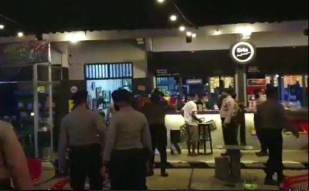 Polisi Razia Prokes, Pengunjung Kafe di Jepara Lari Tunggang Langgang