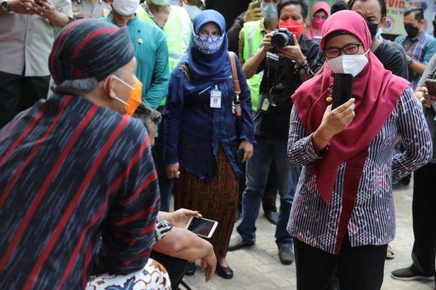 Video Call Tiap Hari, Cara Petugas Kesehatan Pantau Warga Positif COVID-19