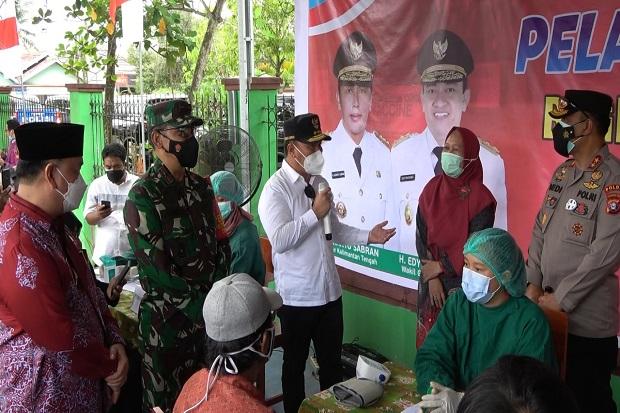 Gubernur Kalteng Meninjau Pelaksanaan Vaksinasi Massal di Kabupaten Kotawaringin Timur