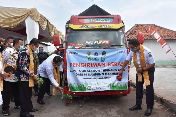 Bupati Dony dan Gubernur Anies Lepas Distribusi Perdana Beras dan Produk UMKM Sumedang ke Jakarta
