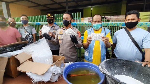 Pabrik Obat-obatan Terlarang di Tasikmalaya Digerebek, 700.000 Butir Pil Diamankan