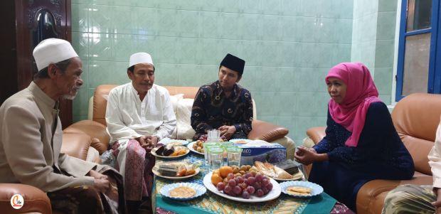 KH Nawawi Abdul Jalil Wafat, Gubernur Khofifah Sampaikan Duka Cita