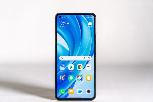 Xiaomi Kenalkan Mi 11 Lite, Ponsel Tertipis di Indonesia