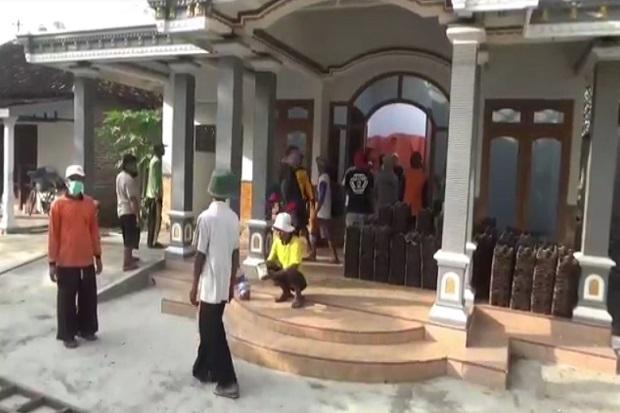Kecewa Istri Selingkuh, Rumah Senilai Rp400 Juta Dihancurkan Sang Suami
