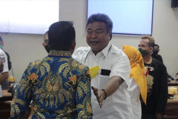 Dua Legislator DPRD Sulsel Bersitegang saat Rapat Paripurna Intern
