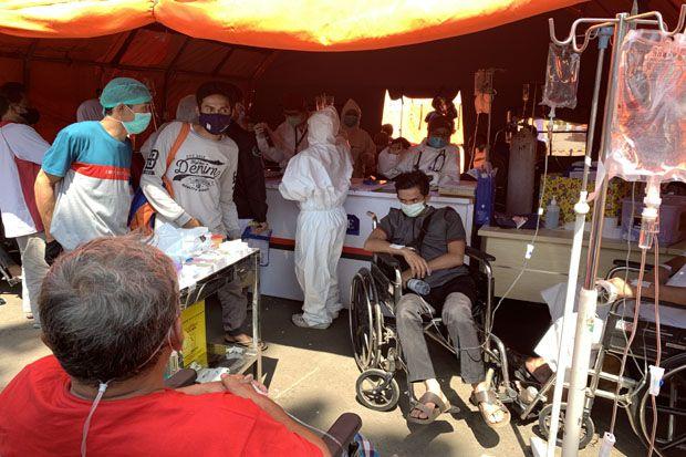 Pasien COVID-19 Membeludak, Puluhan Orang Terpaksa Dirawat di Tenda Darurat RSUD Kota Bekasi