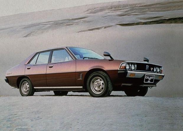 Penuh Pesona, Deretan Artis ini Punya Koleksi Mobil Klasik 90-an