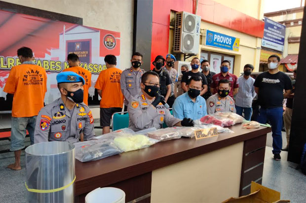 Polisi Ungkap Bisnis Bom Ikan Ilegal di Makassar