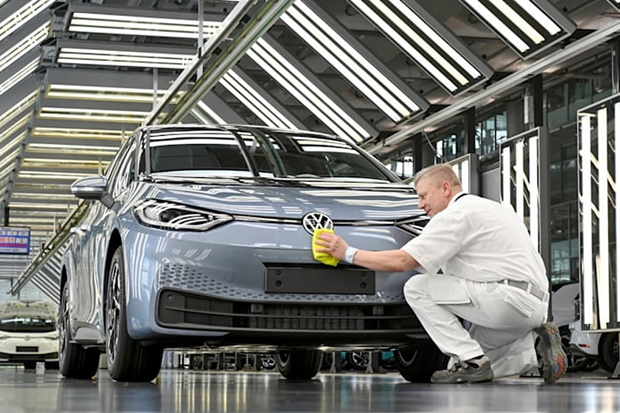 VW Kebut Bikin Mobil Listrik, Target 50% Penjualan Tahun 2030 adalah EV