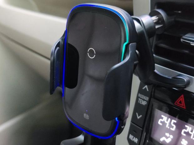 Ini Keuntungan Memakai Wireless Fast Charging untuk Ponsel di dalam Mobil