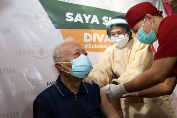 Covid Bikin Tenaga Kerja Kelimpungan, Vaksinasi Harus Cepat dan Masif