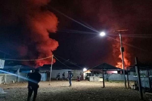 Amuk Massa di Dogiyai Papua 1 Warga Tewas, 2 Prajurit Paskhas Luka dan Belasan Rumah Serta Ruko Dibakar
