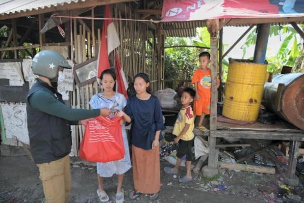 Blusukan Bagikan Bantuan, Ridwan Kamil: Warga Marah dan Butuh Support Pemimpin