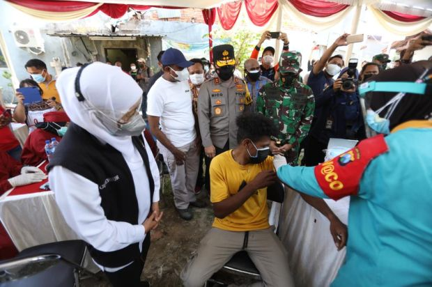 Kasus COVID-19 di Jawa Timur Belum Terkendali, Gubernur Khofifah Minta Maaf