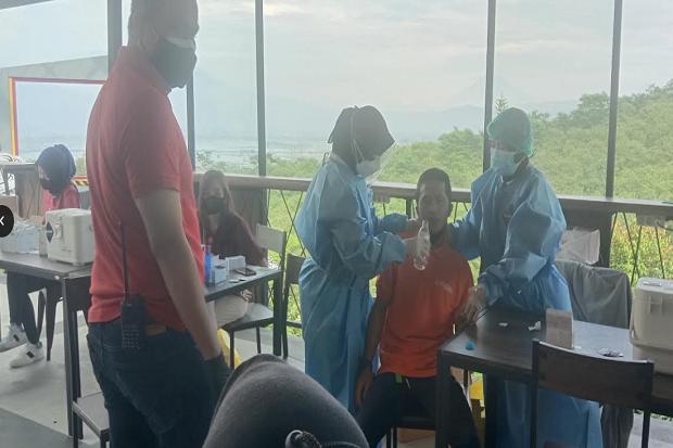 Ribuan Pelaku Pariwisata di Kabupaten Semarang Dapatkan Vaksin COVID-19
