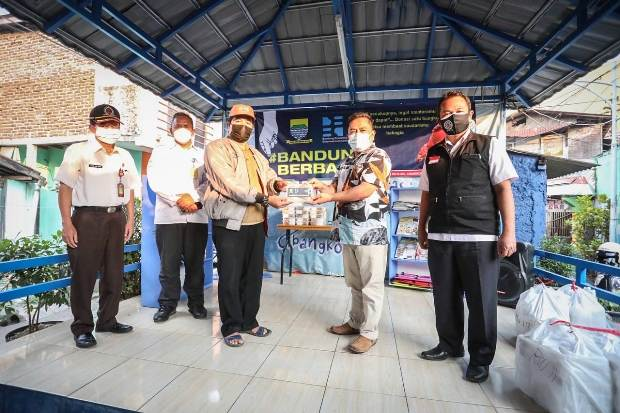 Wali Kota Bandung Sumbang Rp50 Juta untuk Warga Terdampak PPKM Darurat