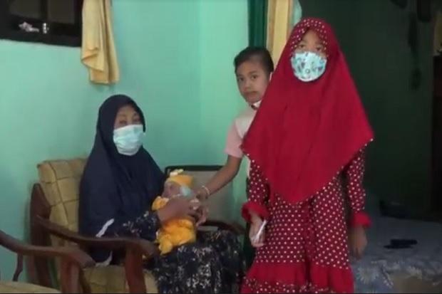 Tangis Pilu Pecah di Gresik, Akibat COVID-19 Tiga Anak Ini Jadi Yatim Piatu