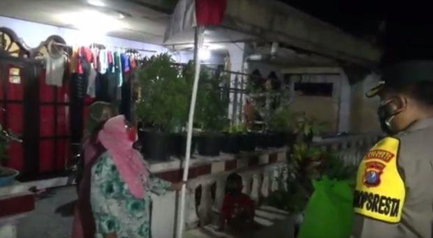 Pasang Bendera Merah Putih, Warga Sidoarjo Kaget Mendadak Didatangi Polisi