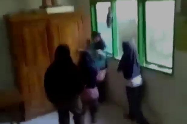 Viral, Video Bocah Perempuan di Bulukumba Dikeroyok Teman Sendiri