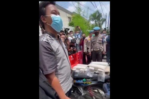 PKL dan Warung Dapat Rp1,2 Juta Tunai, Sri Mulyani: Semangat!