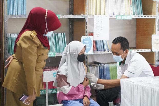 PT Semen Tonasa dan Polres Pangkep Inisiasi Vaksinasi Keliling Bagi Pelajar