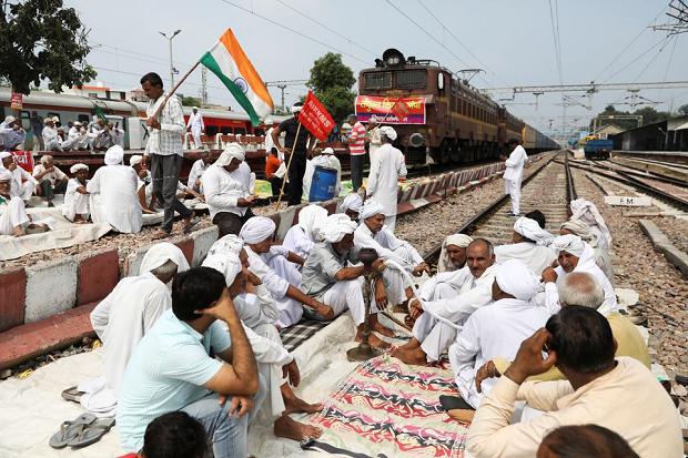 10 Bulan Puluhan Ribu Petani India Kemah di Jalan Protes UU Pertanian