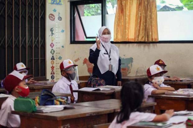 Ratusan Orang Tua Siswa di Makassar Tolak Ikutkan Anaknya PTM
