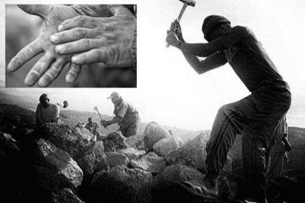 Tangan-tangan Paling Beruntung yang Pernah Dicium Rasulullah