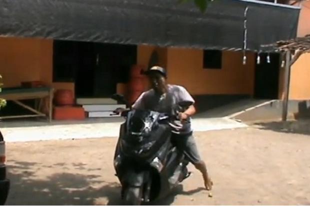 Menabung 2 Tahun Pria Ini Beli Motor Rp26 Juta Pakai Uang Logam