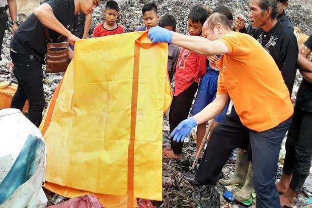 Mayat Bayi Perempuan Ditemukan di TPA Sampah