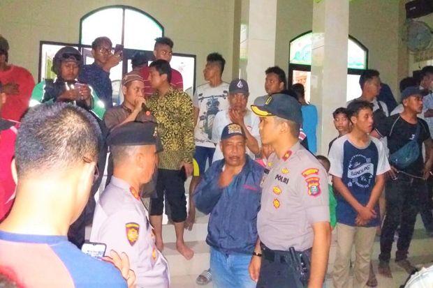 Diduga Selisih Paham, 2 Kelompok Warga Bentrok di Medan