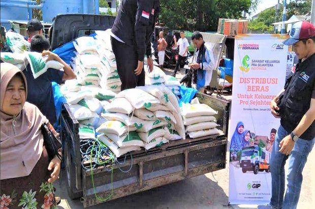 ACT Kirim 1,5 Ton Beras untuk Kampung Nelayan Seberang Belawan