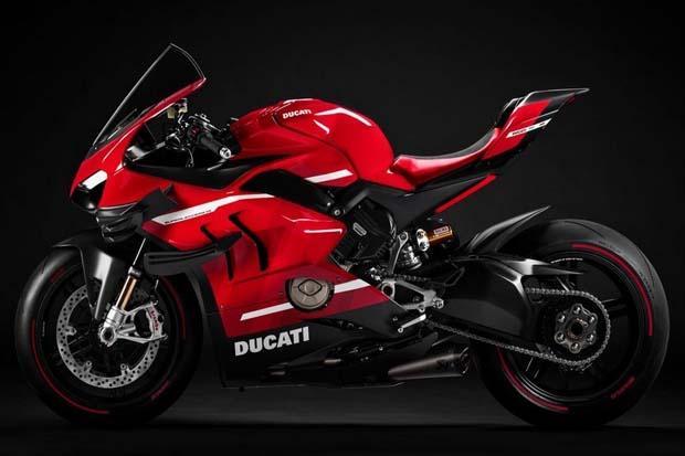 500 Unit Saja! Ducati Superleggera V4 Berbahan Serat Karbon Diproduksi