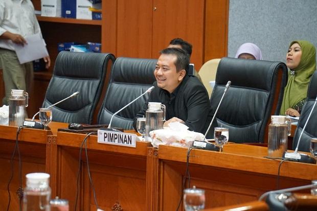 DPR Anggap Tiga Opsi Kurikulum Darurat Pendidikan Membingungkan