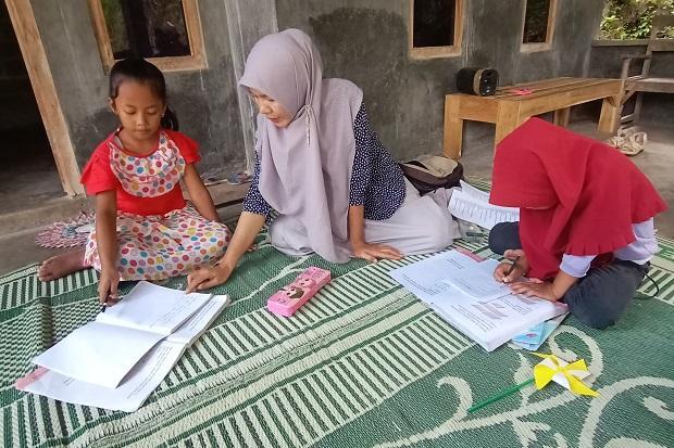 Alhamdulillah, Ribuan Guru Honorer sampai Guru Ngaji di Surabaya Dapat Insentif