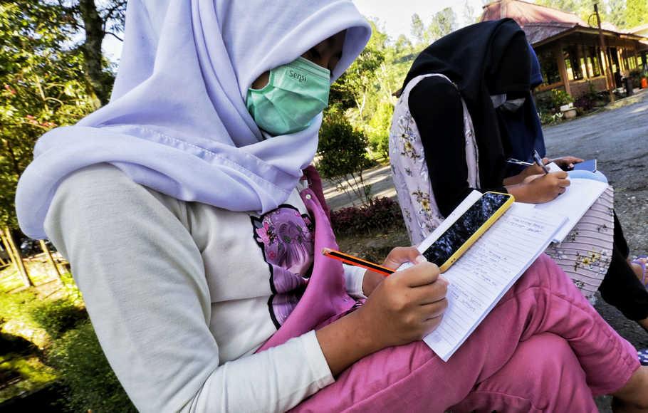 Pandemi Menantang Dunia Pendidikan untuk Menggunakan Teknologi