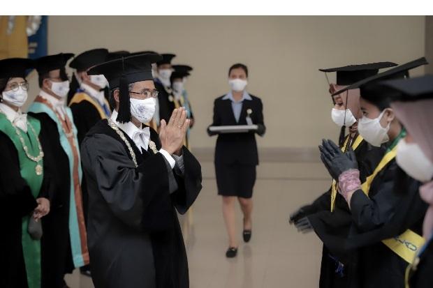 Masa Pandemi, Ini Harapan Rektor UGM untuk 6.794 Wisudawan