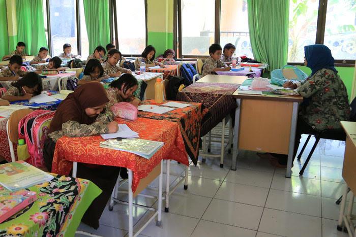 Gelar PTM, KPAI Minta Guru Tak Bebani Siswa Tugas Harian