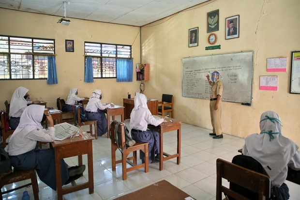 Selama PJJ, Guru Mengaku Terkendala Jelaskan Materi Pelajaran ke Siswa