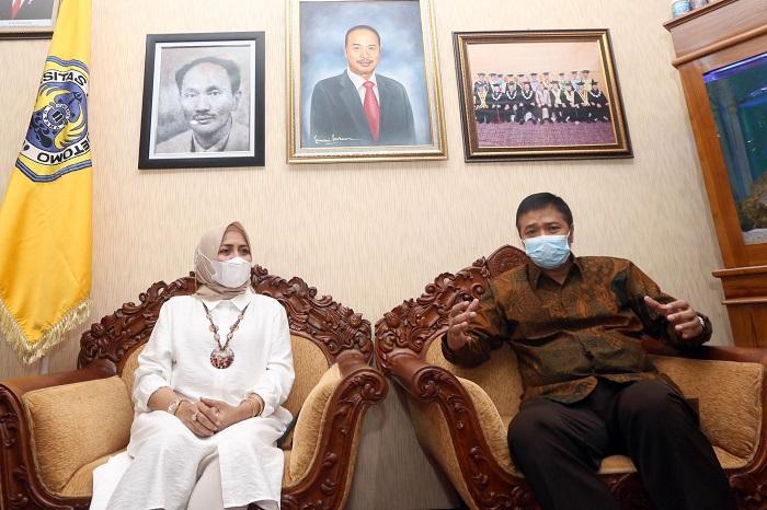 Adik Bungsu Menko Polhukam Mahfud MD Maju Pemilihan Rektor Unitomo Surabaya