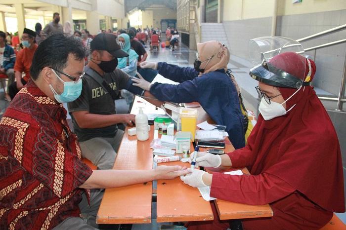 Universitas Mercu Buana Gandeng Puskesmas Vaksinasi Guru dan Tenaga Pendidik