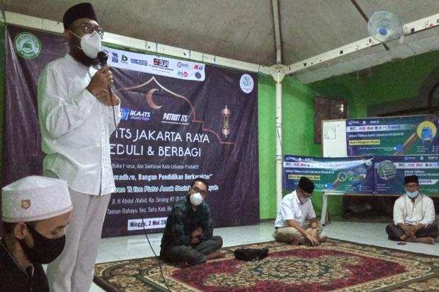 IKA ITS Jakarta Raya Beri Santunan dan Pelatihan Wirausaha untuk Yatim Piatu