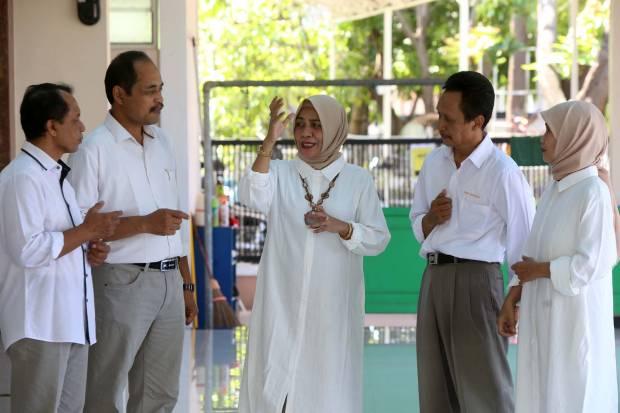 Hampir 100 Persen Dosen-Karyawan Berharap Adik Bungsu Mahfud MD Nakhodai Unitomo