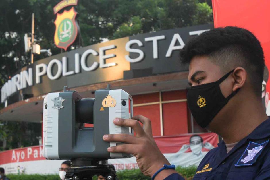 Ditlantas Polda Metro Gelar Olah TKP Mercy Tabrak Pesepeda di Bundaran HI-5
