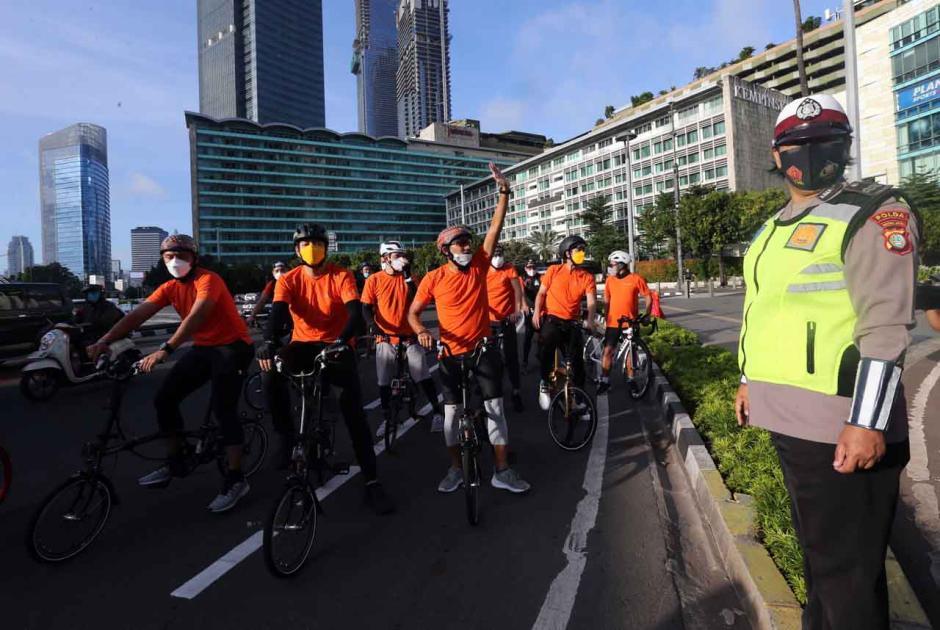 Menteri Sandiaga Uno Gunakan Sepeda Nusantara ke Kantor-3