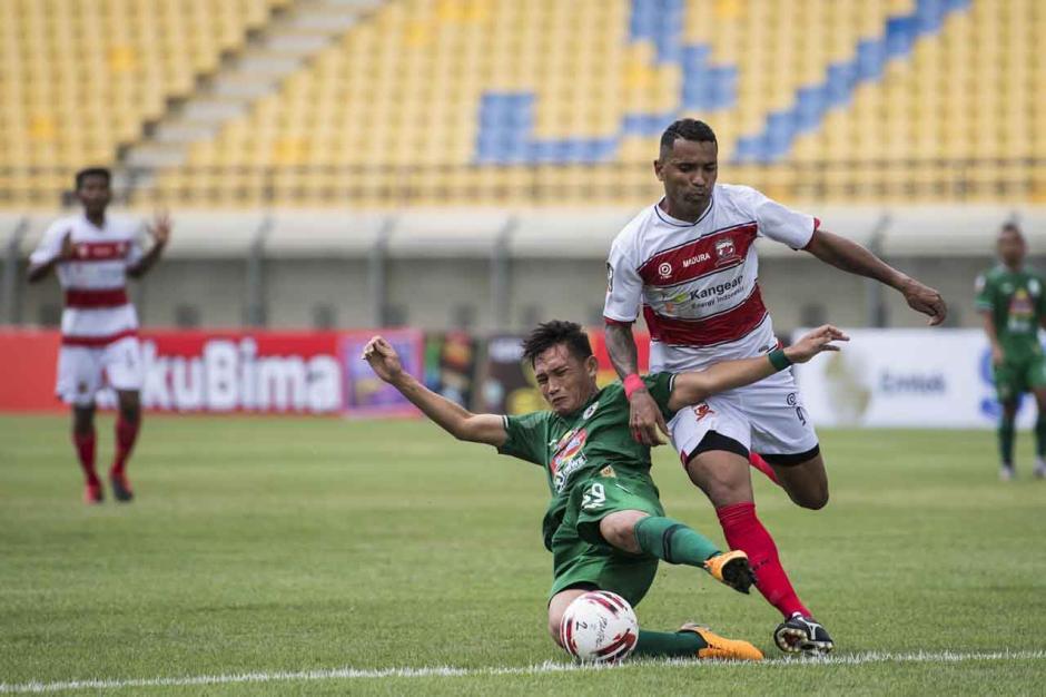 Piala Menpora 2021 : Madura United Tundukkan PSS 2-1-2