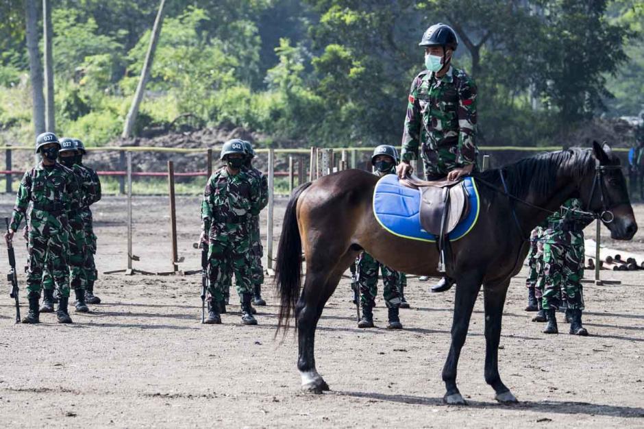 Melihat Pusat Pendidikan Kavaleri Berkuda Kodiklatad-0